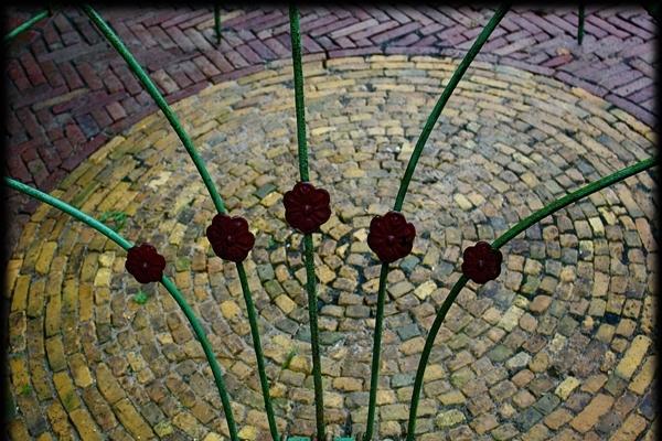 Cirkel van boerengeeltjes gecombineerd met oude walen in Haarlem