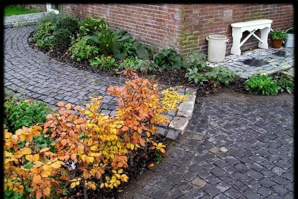 Terras van betonnen 60x60-tegels in Amstelveen