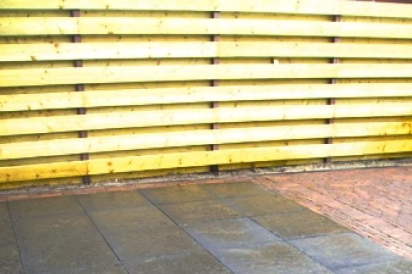 Bestrating van betonnen tegels in Heerhugowaard